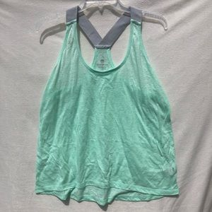 3/$20 Old Navy Active size large Green workout top
